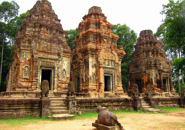 See the Angkor Temples on a APT Mekong River cruise