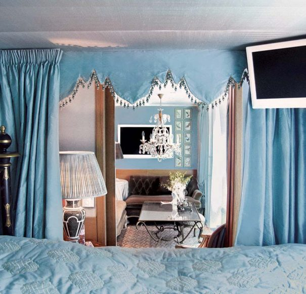 Uniworld SS Antoinette Royal Suite