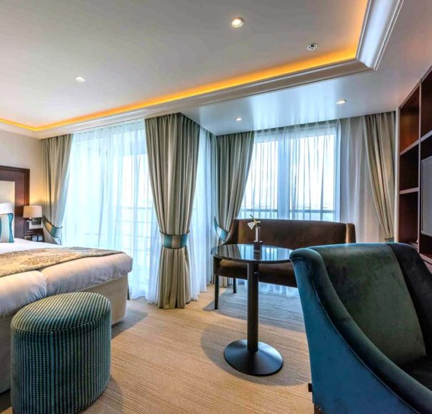 Riviera Travel Charles Dickens - Deluxe Suite